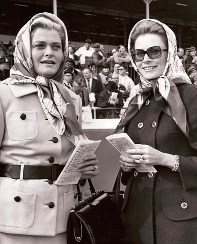 Grace Kelly and her sister wearing Hermes scarves (in New Jersey)