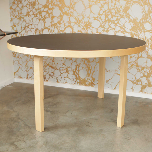LINOLEUM 91 TABLE