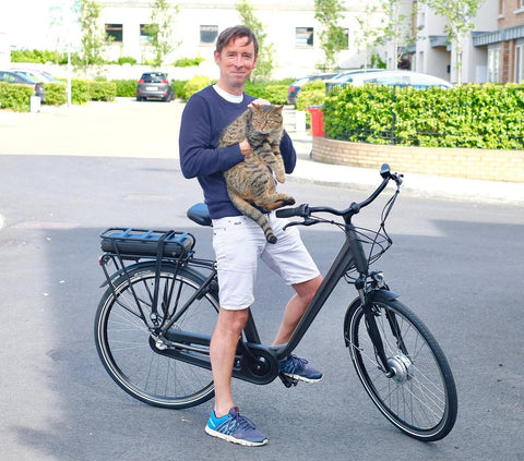 Irish Independent Tech Editor Adrian Weckler pictured with his Bleeper eCity 1 electric bike
