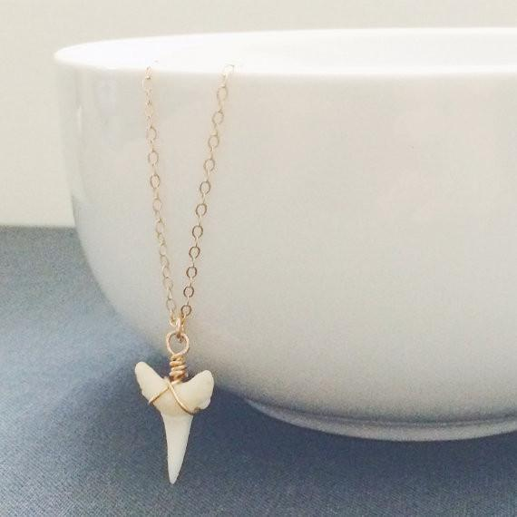 White Shark's Tooth Necklace - Barberry + Lace