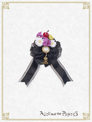 Snow White ribbon brooch