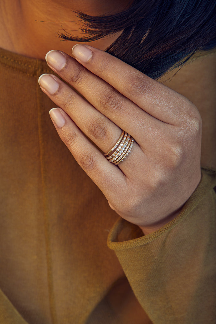Linear Ten Stone Pave Band