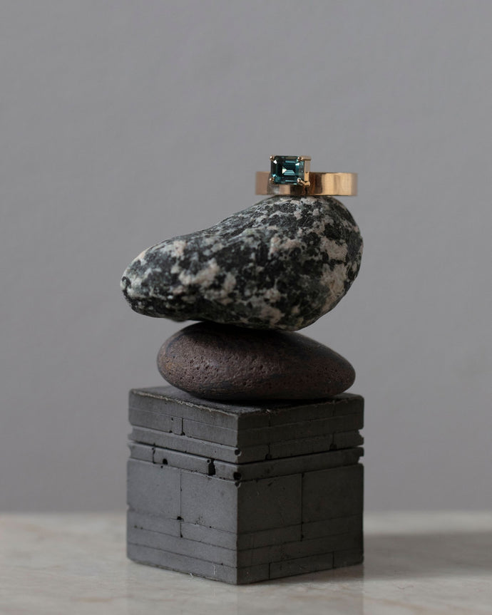 One of a Kind Horizontal Gradient Sapphire Monolith Ring