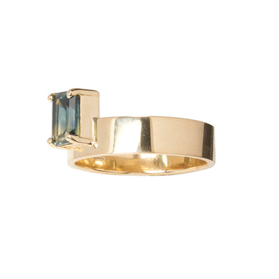 One of a Kind Vertical Gradient Sapphire Monolith Ring