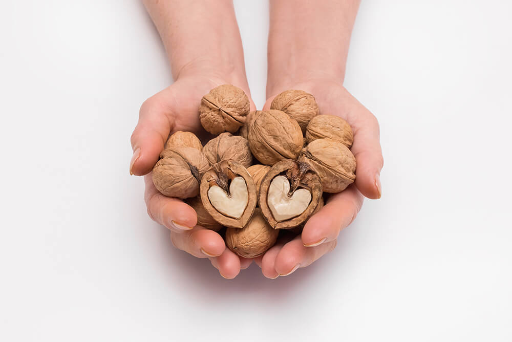 effects of eating walnuts
