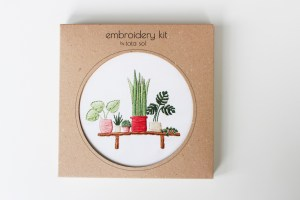 bench plants embroidery kit package