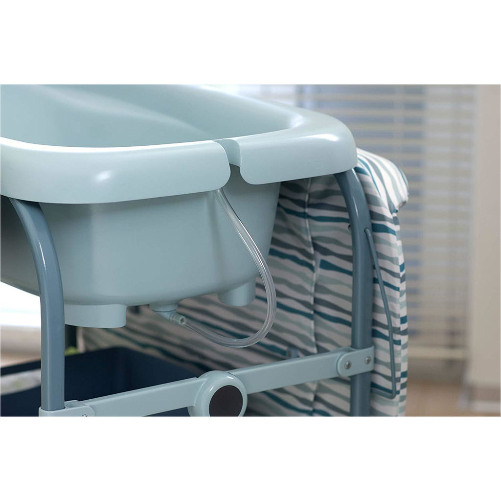 Chicco Cuddle & Bubble Comfort Baby Bathtub / Changing Station Wild