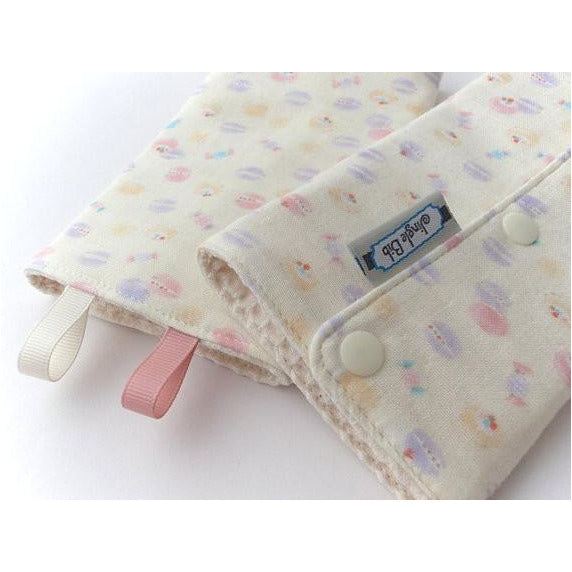 Jinglebib Drool Pad - Kisses - Little Baby