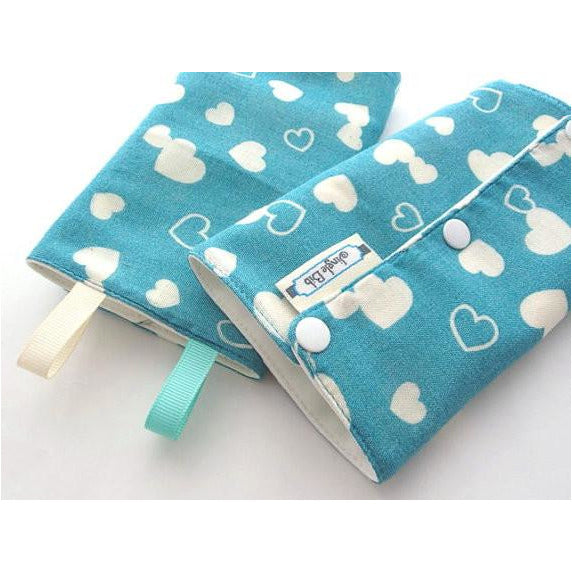 Jinglebib Drool Pad - White Heart,Teal - Little Baby