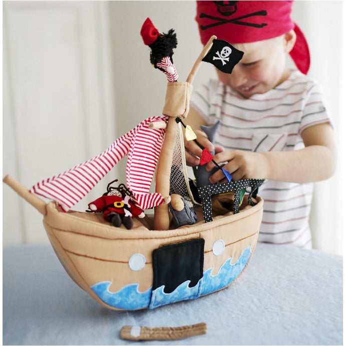 Pretend Play - Oskar & Ellen Jolly Roger Pirate Ship