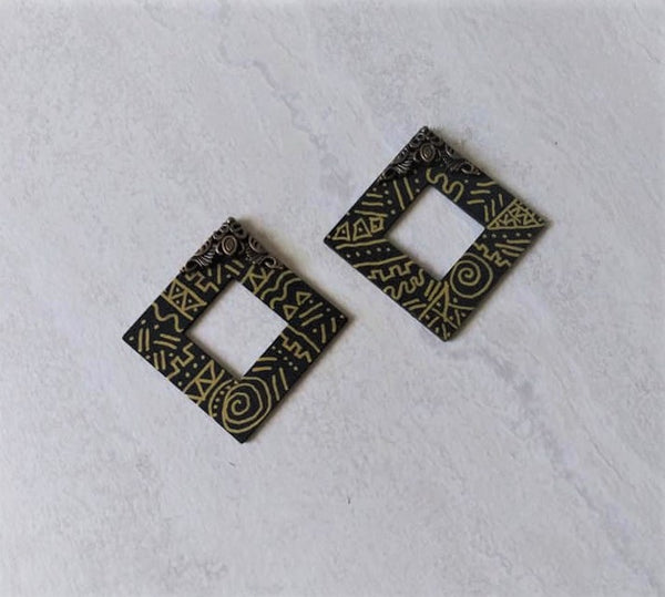 Sada Black Gold Tribal Print Stud Earrings