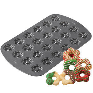 Wilton 24-Cavity Scallop Cookie Pan