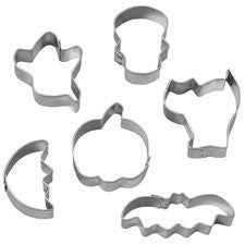 Wilton 6 pieces Halloween cookie cutter set