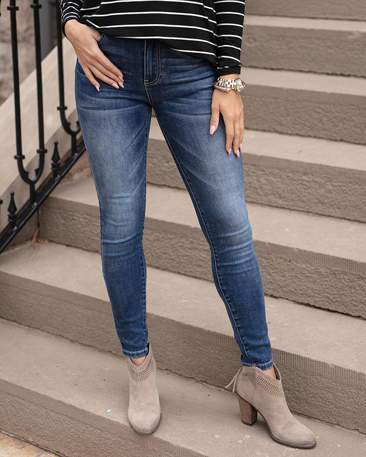 G&L Favourite Fit Mid-Rise Jegging - Mid Wash