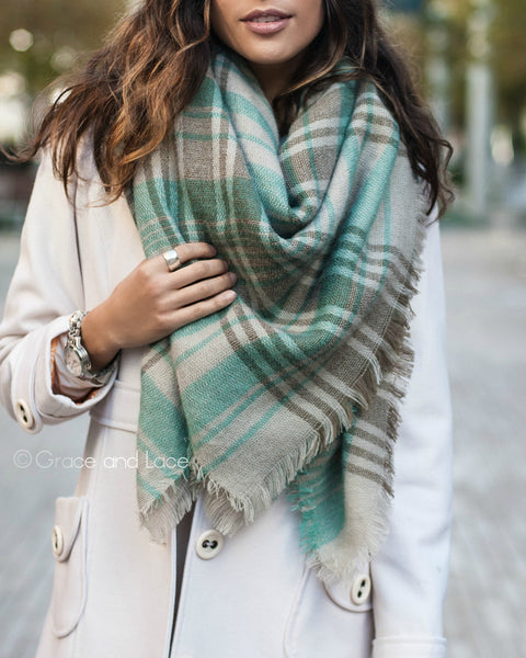 G&L Blanket Scarf / Toggle Poncho - Mint Grey