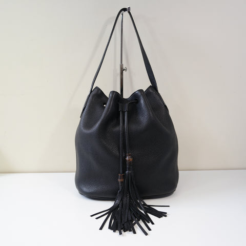 GUCCI black leather Lady Tassel textured-leather bucket bag