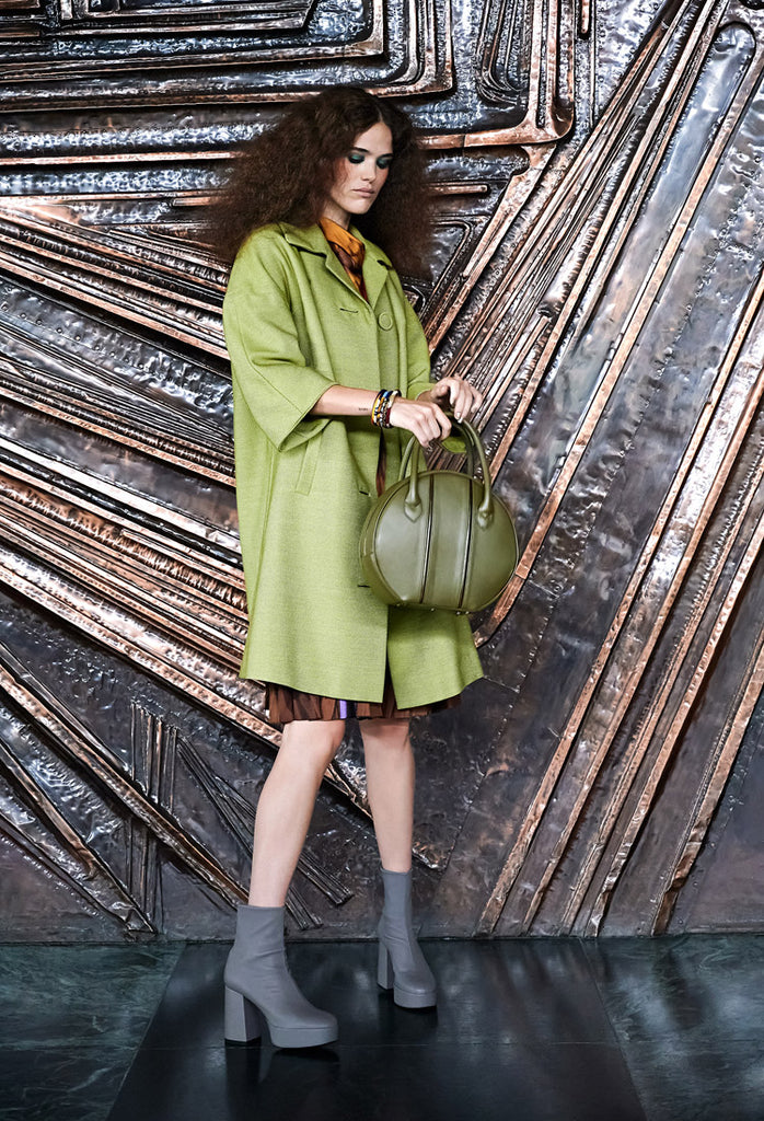 OSTWALD Finest Couture Bags Lookbook CIRCLE Soft Tote green bag with blue fur