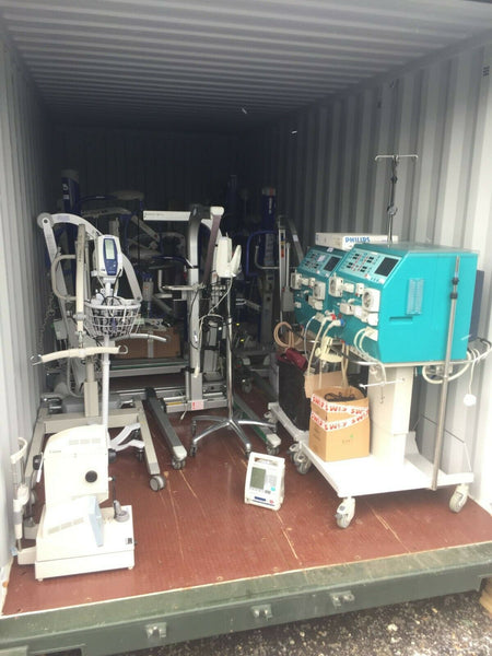2 X GAMBRO AK 200 ULTRA S DIALYSIS MACHINES 1 WORKING 1 NOT POWERING UP HOSPITAL