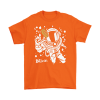 Astronaut Grabbing for Bitcoin T-Shirt