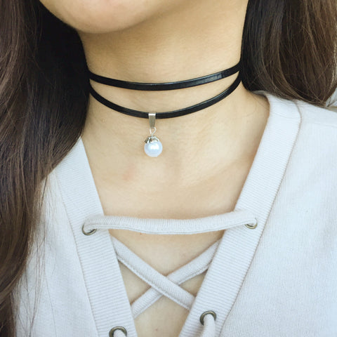 Dusk choker with pearl - tee & ing.
