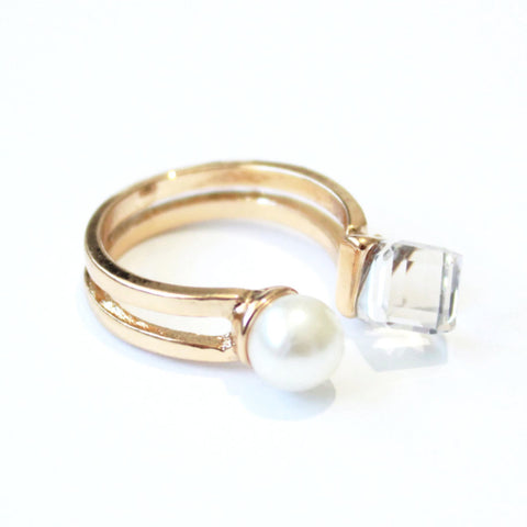 Crystal pearl ring -  - 1