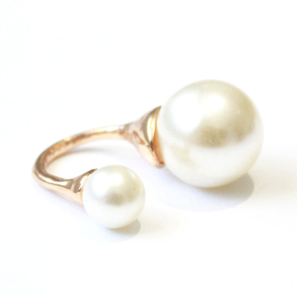 Double pearl ring -