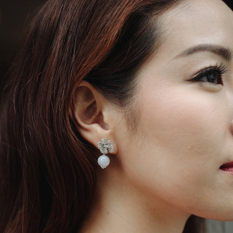 [Made-to-Order] Camellia Earring in Apple Green Jade