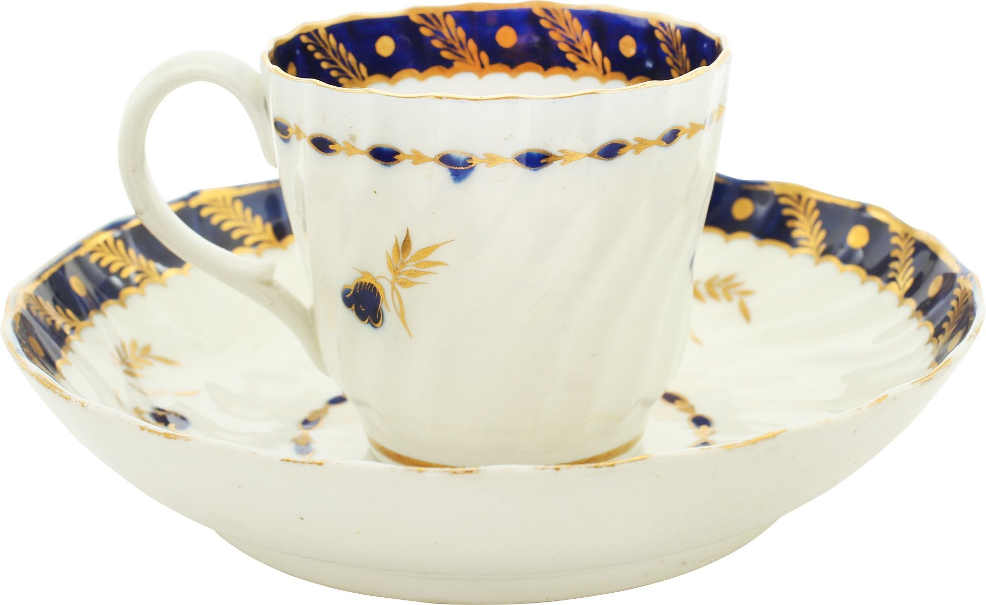 FIRST PERIOD WORCESTER TEA CUP AND SAUCER