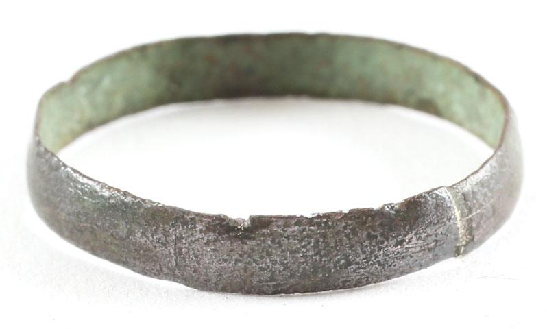 ANCIENT VIKING WEDDING RING C.850-1050 AD  Size 8.