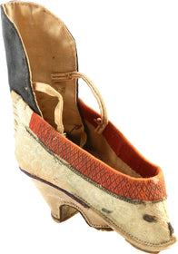 CHINESE WOMAN'S SHOE FOR FOOT BOUND FOOT