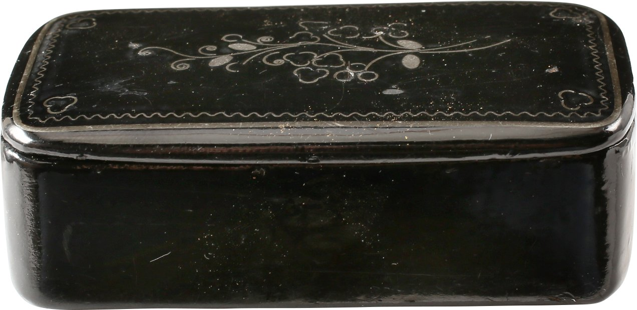 COLONIAL AMERICAN SNUFF BOX