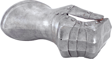 A RARE MILANESE RIGHT GAUNTLET C.1510