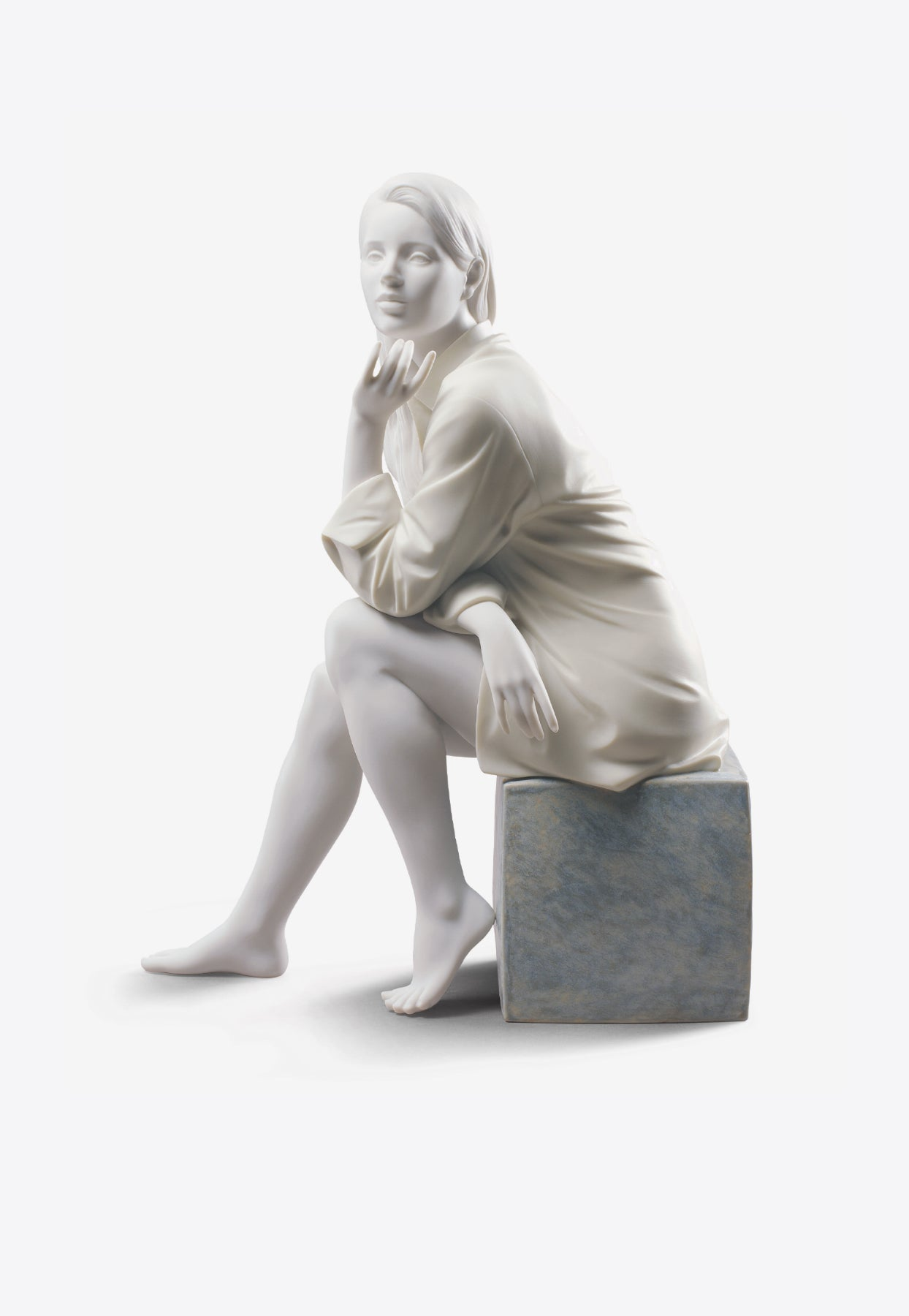 Lladrò In My Thoughts Woman Figurine In White