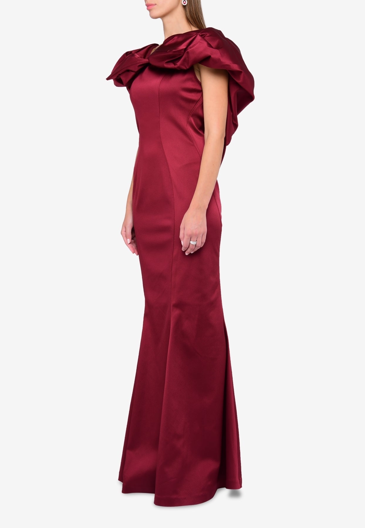 Zac Posen Textured Mermaid-cut Gown With Large Bow In Red