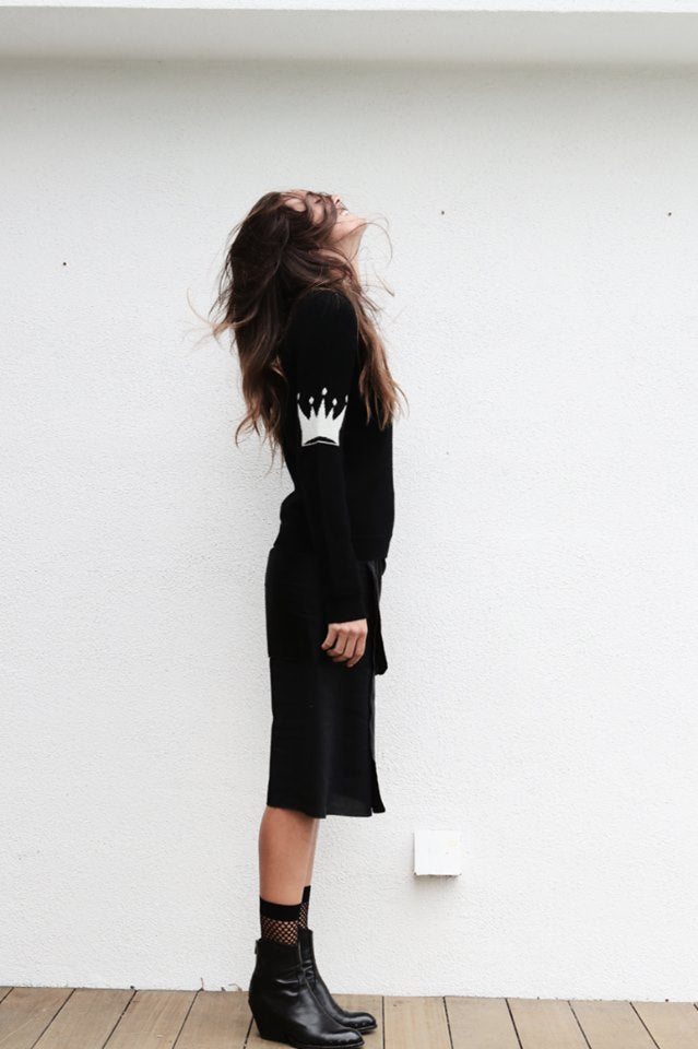B T Cashmere Crown - Black