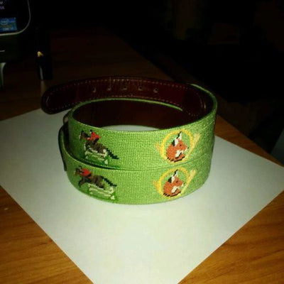 Smathers & Branson Needlepoint Belt Green Fox Hunt & Horn Equestrian - Exceptional Equestrian