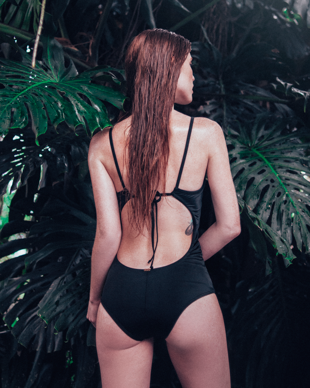 SELVÁTICA One Piece Black