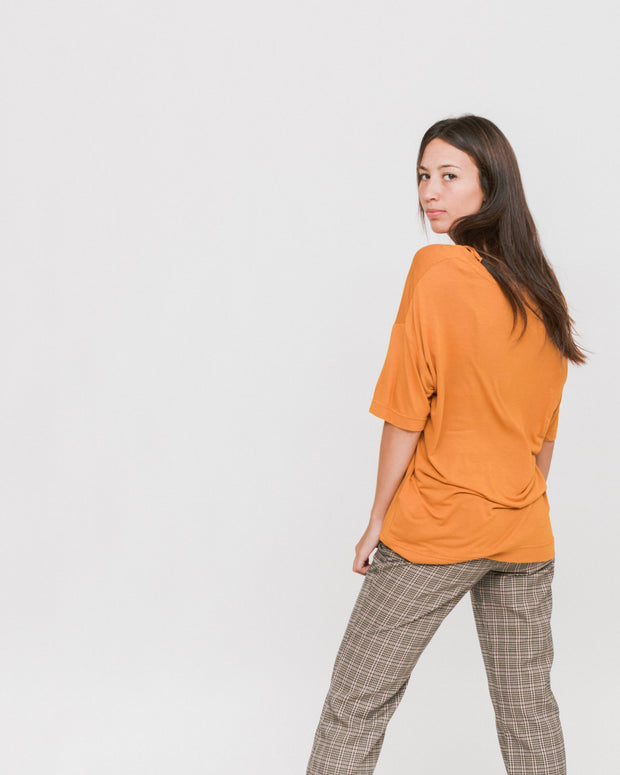 Dr. Denim W | Camiseta Jackie - Dusty Gold | Trait Store Barcelona