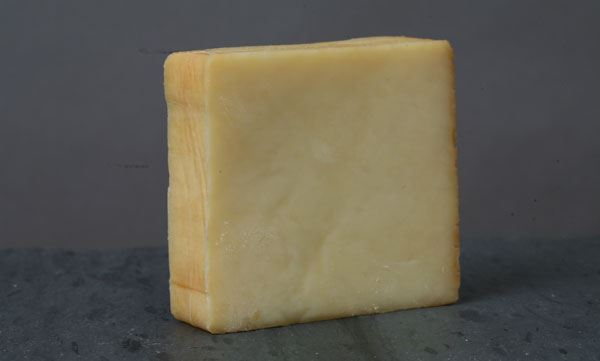 Farm Fromage Smoked Cheddar (8oz)