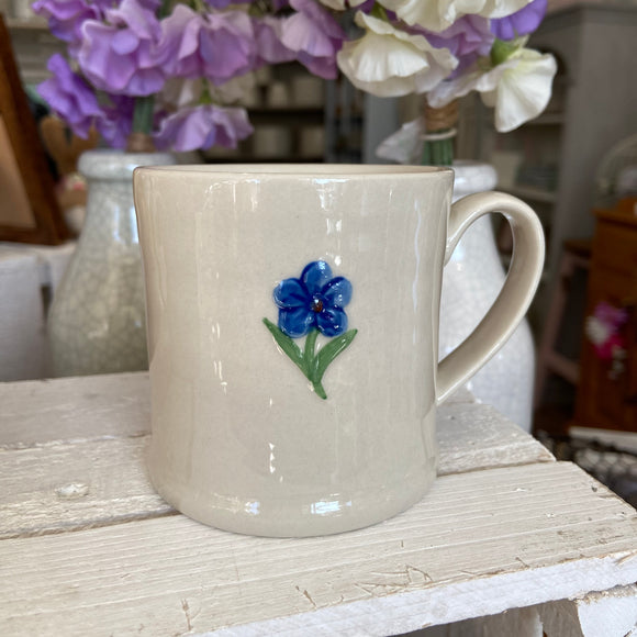 Embossed Forget-Me-Not Mug