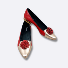 Le Cuore Womens Flats - Florencia Ballerinas - Red Poms Poms