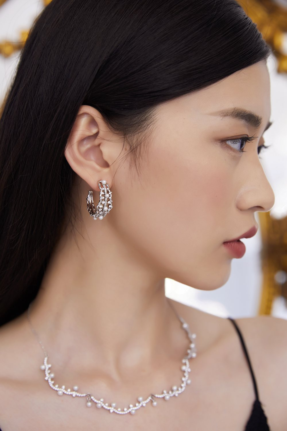 Silver Chunky Small Hoop Earrings-6 Fall Jewelry Trends You Won't Miss-Bamoer Jewelry