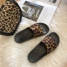 Load image into Gallery viewer, Women Leopard Slip On Flip Flops
