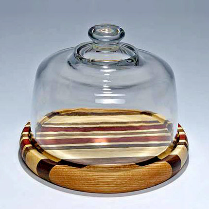 Round board with glass dome