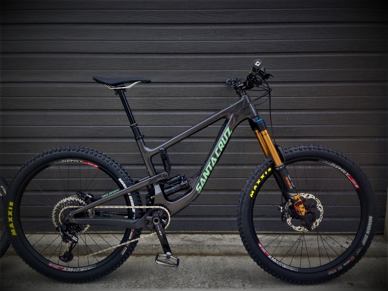 8aea47698d5 2019 Santa Cruz Nomad Custom Build
