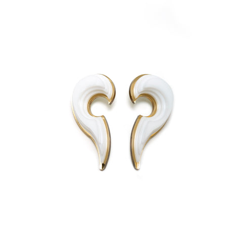 Shell white earrings.