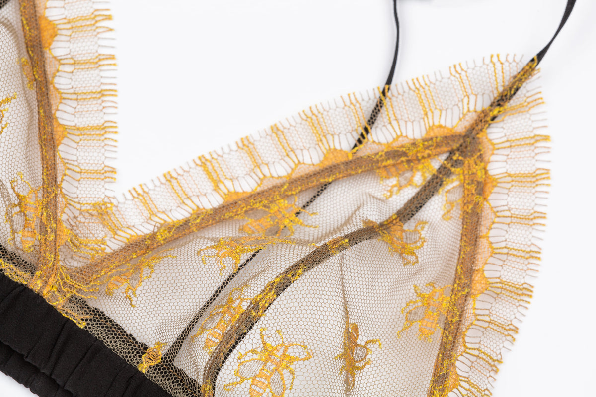 Sheer Lace Triangel Bra Bee Tulle - Berlin, next floor.