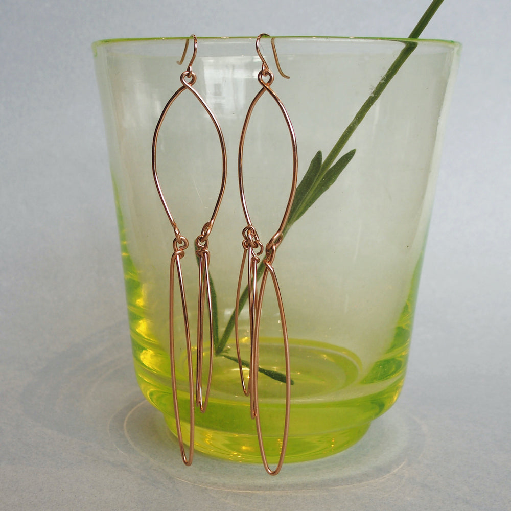 Nurah Earrings, Purely Wired, One-of-a-kind, earring, Abstract, dangling, chandelierEarrings, Minimal Earrings, light weight, Unique, Wearable Art, Sheila Westera Jewellery, jewelry, London design, Swiss made, RoseGold, Abstract Jewel