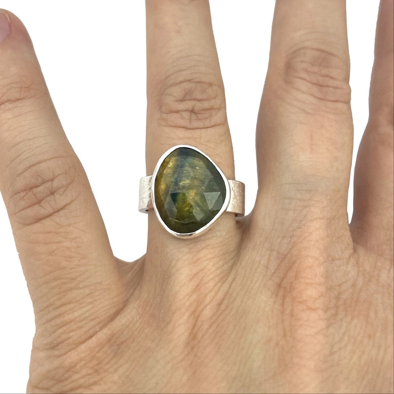 rose cut yellow and green sapphire ring