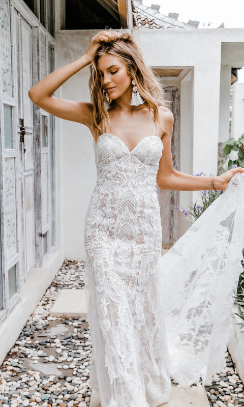 The Gc Bridal Lounge Luxe Bohemian Bridal Gowns Designed By Gold
